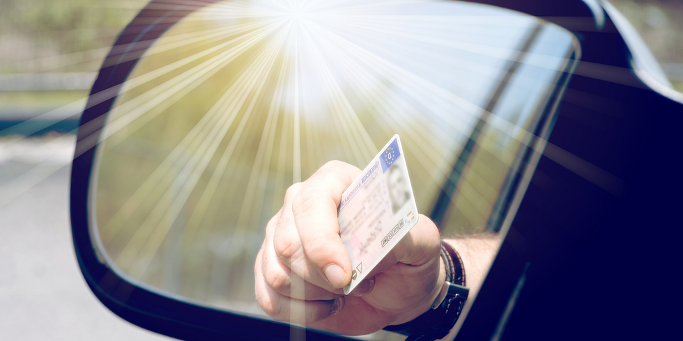 IDENTITY.i | Identifying Risk: Validate Driver LicensesWith AAMVAfor Simple, Secure Account Openings