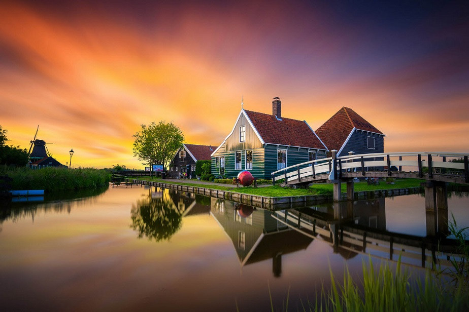 Typical dutch house by Wix landscape photographer Albert Dros