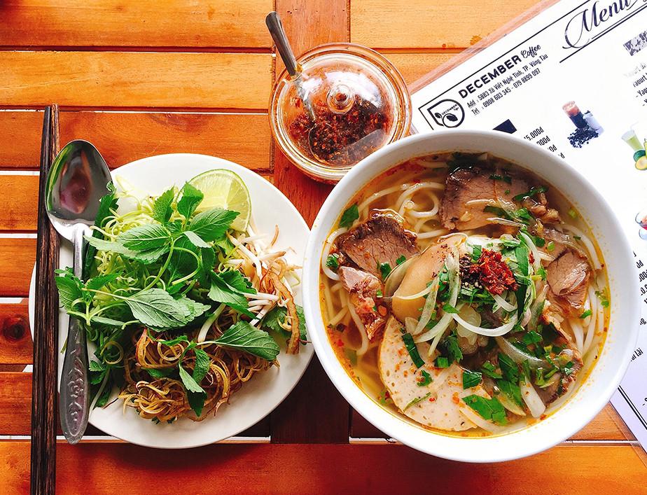 Zdjęcia jedzenia - zupa ramen