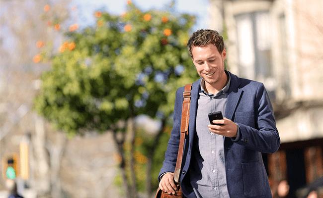 мужчина мобильный телефон