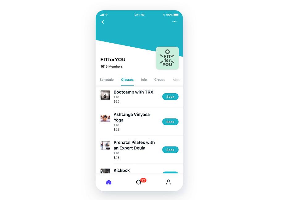Страница приложения со списком занятий и кнопкой бронирования