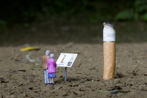 стрит-арт сигарета человечки