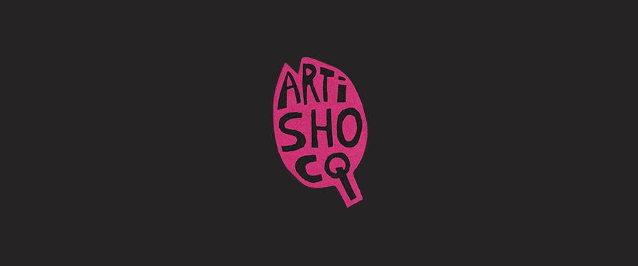 윅스 사용자가 만든 핸드 드로잉 기법의 로고 디자인