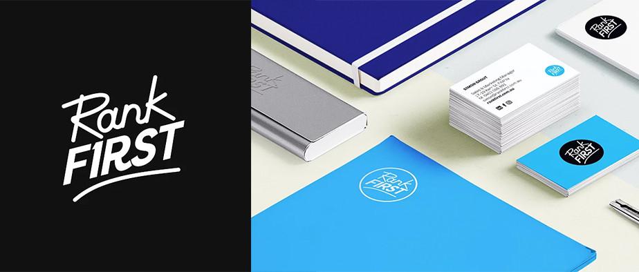 Ejemplo de logos con tipografías contrastadas