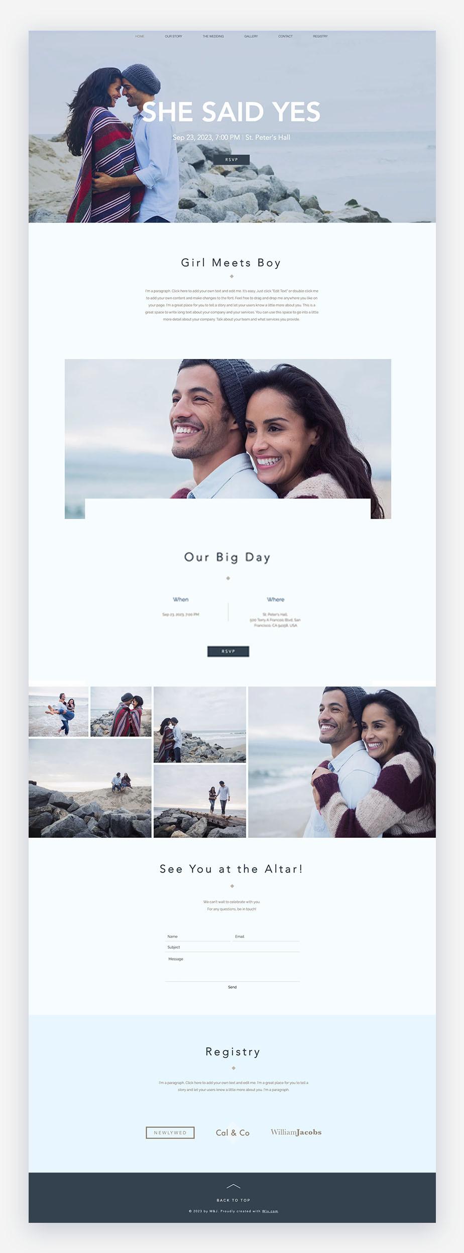 Siti web di matrimonio wix di una coppia vicino alla spiaggia