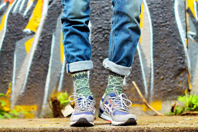 Модные носки — сникерхеды уже в теме.