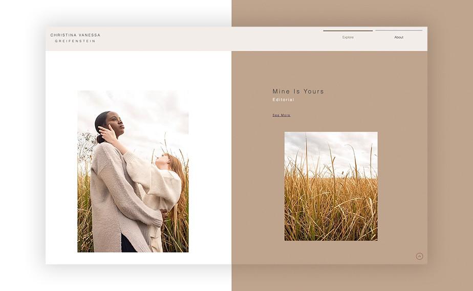 Captura de tela da página inicial do site de portfólio da designer Christina Vanessa. A tela é diividida ao meio, com o lado esquerdo em branco, com uma das fotos autorais da artista contendo duas mulheres em um campo de centeio. O lado direito é bege, e possui uma moto quadrada de um campo de centeio. Na parte superior da tela é possível ver o menu do site.