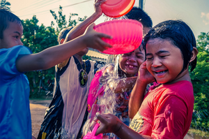 children celebrating songkran