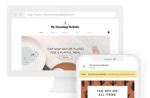 Zeigt eine Website auf dem Desktop und Smartphone mit personalisierter Domain und E-Mail-Adresse