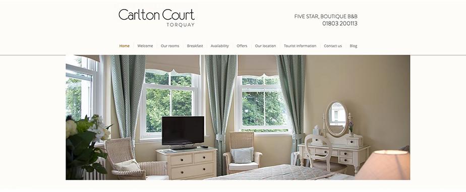Página web de hoteles con diseño web delicado y elegante.