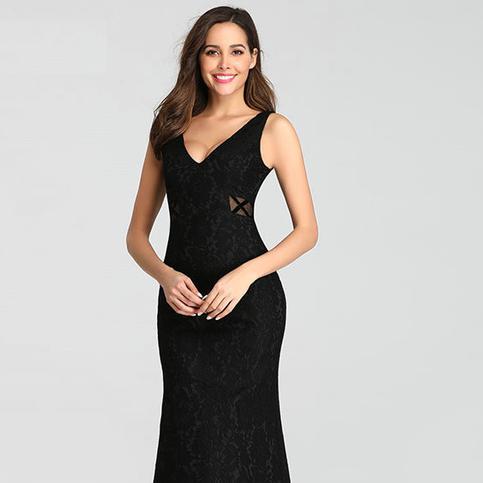 MOB Black sleveless dress.png