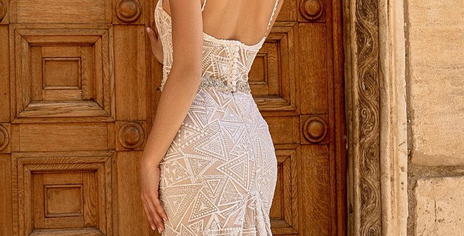 Gloria - Fit & Flare Wedding Dress