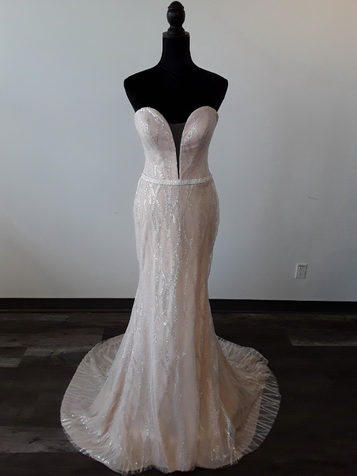 strapless sweatheart wedding dress