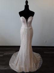 strapless sweatheart wedding dress