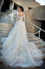 Wedding dress 18