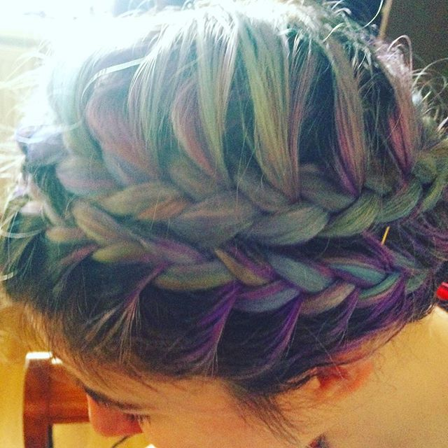 When your work hairs on point 😎💚 #hairstylist #hair #frenchplait #plait #mermaid #updo #doubleplai