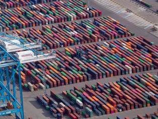 Les conteneurs de Marseille prennent de la couleur.
