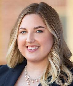 Alison J. Sutak, Esq. Headshot Co-founder of Arndt and Sutak Law