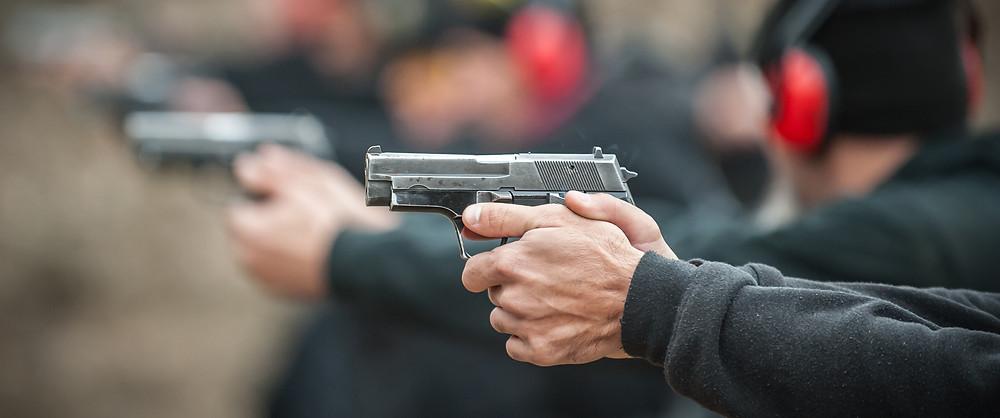 Anschlag mit einer Kurzwaffe