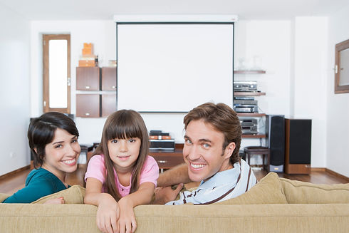 hispanic-family-in-living-room_rFJgW_EASi.jpg