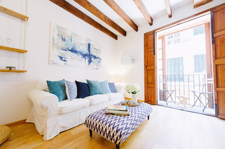 Blue and Grey tones in Old Town Palma flat