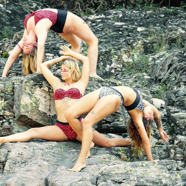 Wild yoga tribu ardeche 07 les vans.jpg