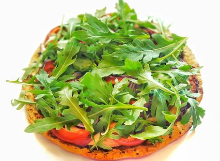 Crispy chickpea flour crust pizza - Ropogós csicseriborsó pizza