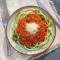 Zucchini spaghetti with bolognese ragout