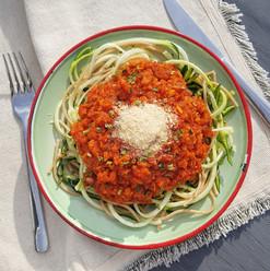 Cukkini spagetti bolognai raguval