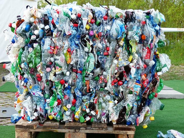 plastic-bottles-115069_1280.jpg