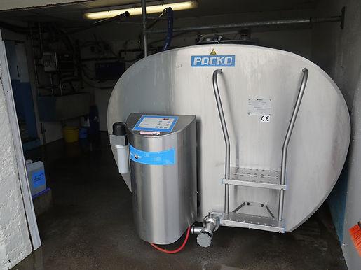 milk tank.JPG