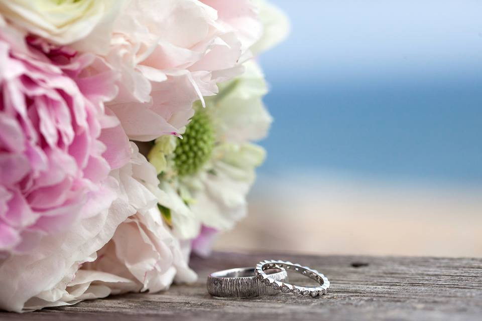 Montauk Hamptons East End Wedding Guide DJ Photography gurneys 5.jpg