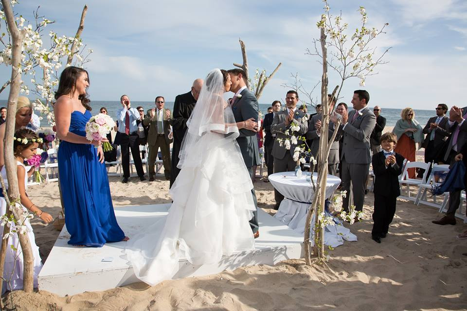 Montauk Hamptons East End Wedding Guide DJ Photography gurneys 9.jpg