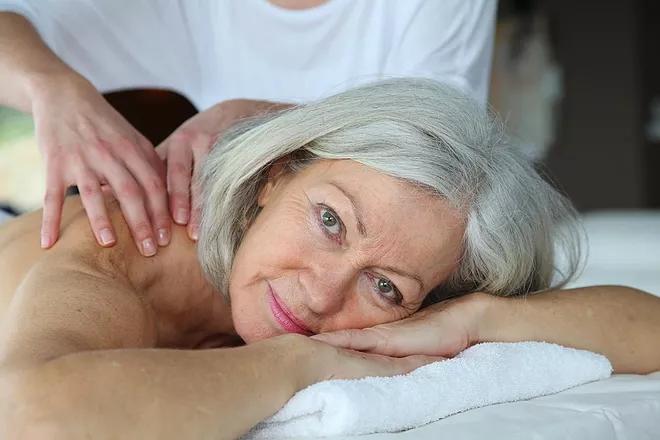 bien-etre-massage femme-soin-naturel.web