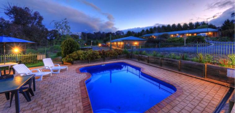Sparkling swimming Pool