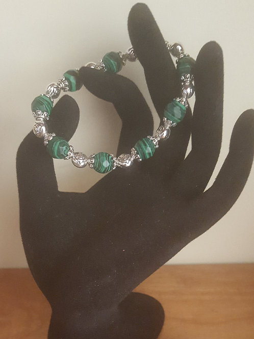 7 in stretch Malachite healing bracelet