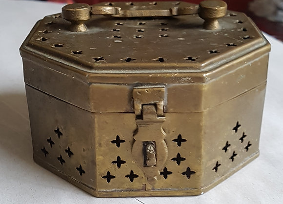 Pot pourri brass box