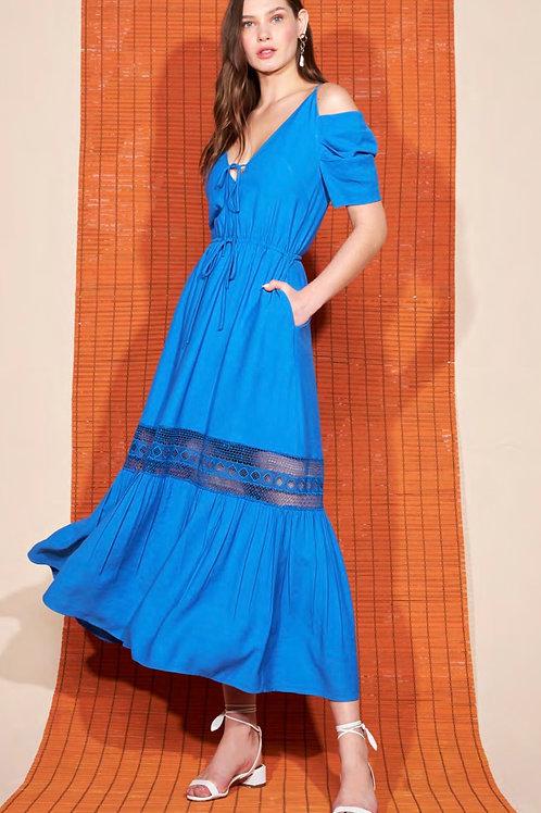 Vestido longo detalhe renda azul