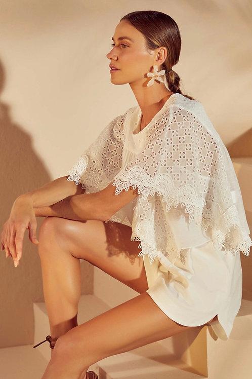 Conjunto blusa rendas e short off white Skazi