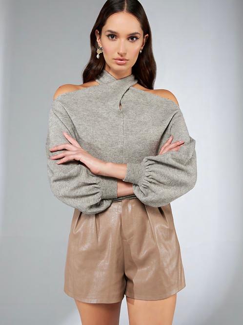 Blusa em tricot detalhe no torcido cinza Skazi