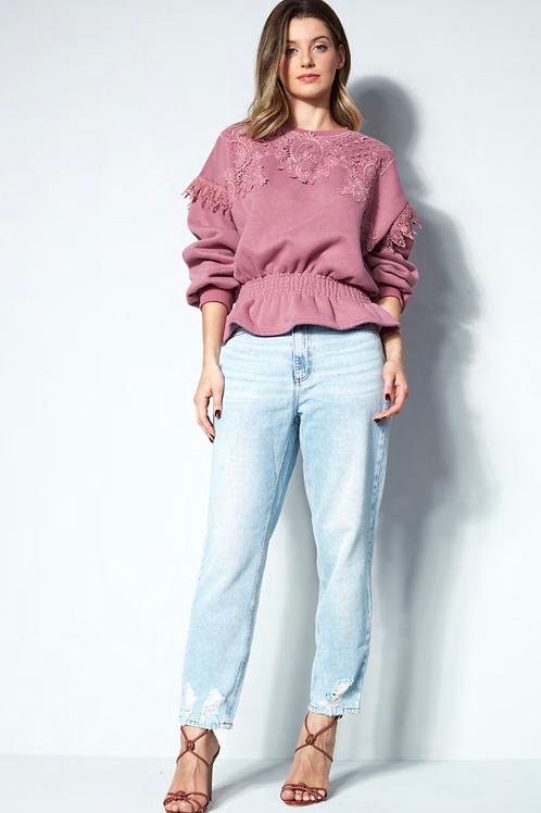 Calça jeans clara detalhe rasgado Skazi