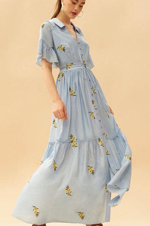 Vestido longo chemise detalhes bordados em linha flores azul claro Skazi Sclub
