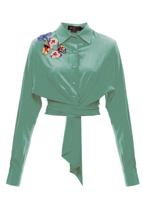 Camisa com detalhes bordados verde agua PatBo