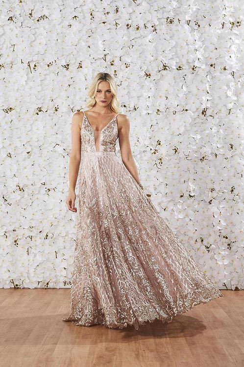 Vestido longo bordado Fabulous Agilità modelo Patricia