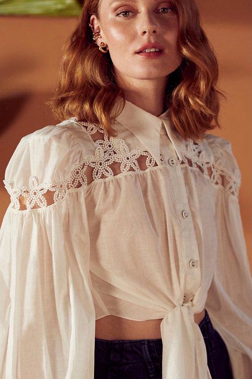 Camisa com entremeios de renda off white Skazi Sclub