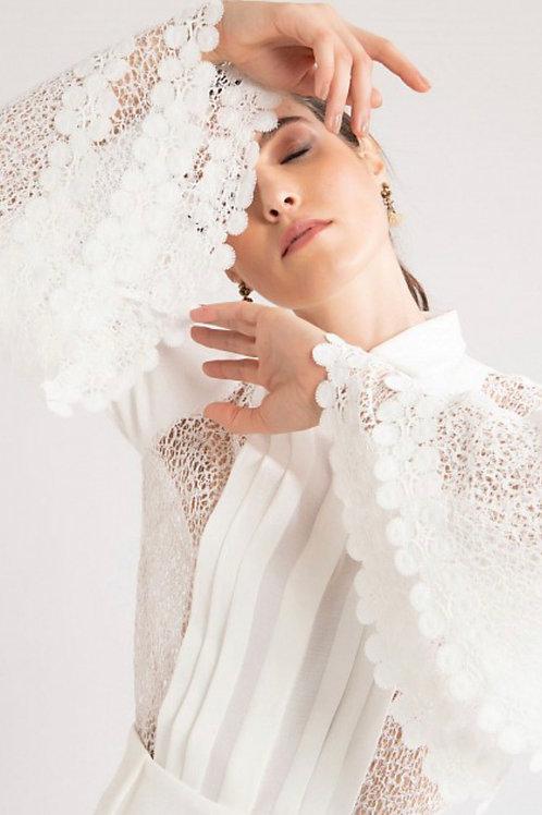 Blusa detalhe rendas off white PatBo