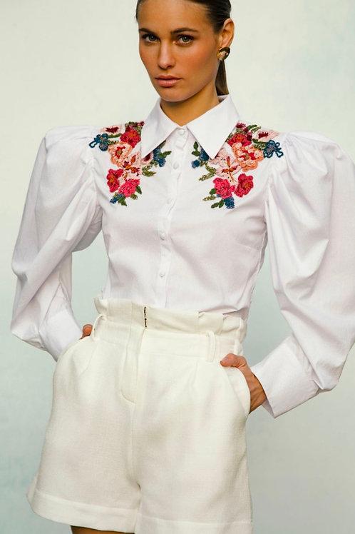 Camisa manga bufante detalhes bordados PatBo