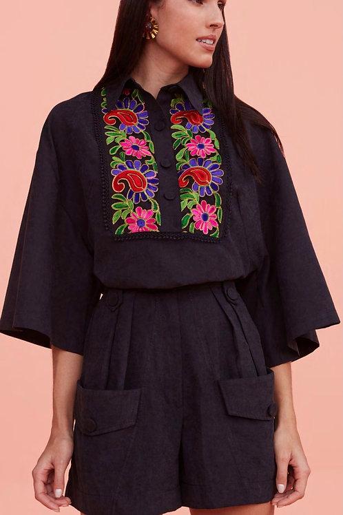 Blusa detalhes bordados flores preta Skazi Sclub