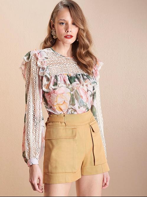 Blusa seda estampa floral rosas recortes guipir Skazi