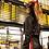 Thumbnail: Jaqueta cropped em couro fake Skazi Thassia Naves